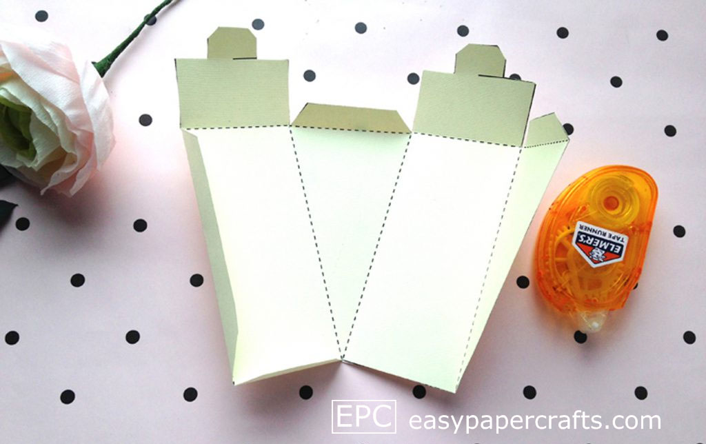 scored paper cake template, cake favor boxes