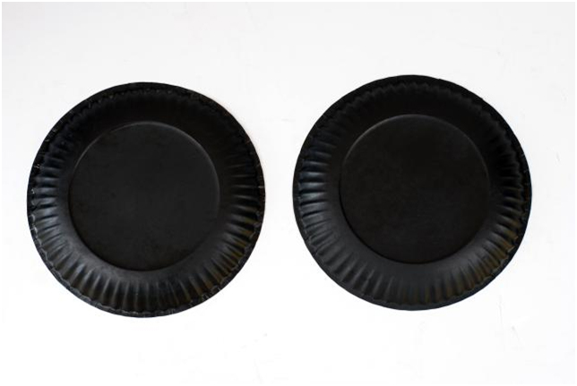 Halloween crafts two black paper plates