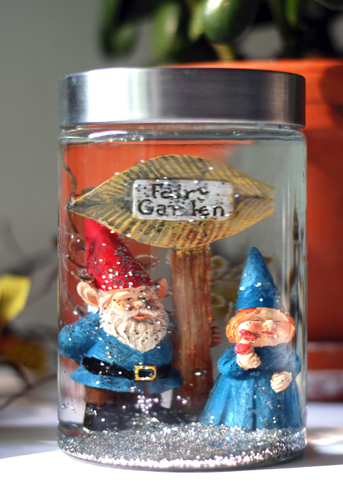 gnome couple diy snow globe