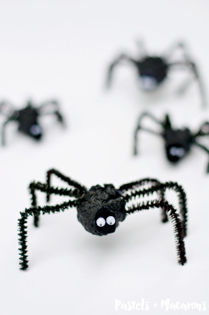 fall crafts for kids pinecone spider Halloween craft
